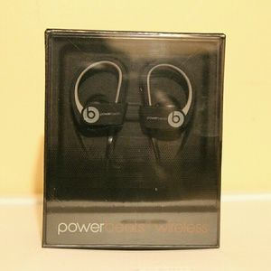 Black Powerbeats2 Wireless Beats by Dre Headphones